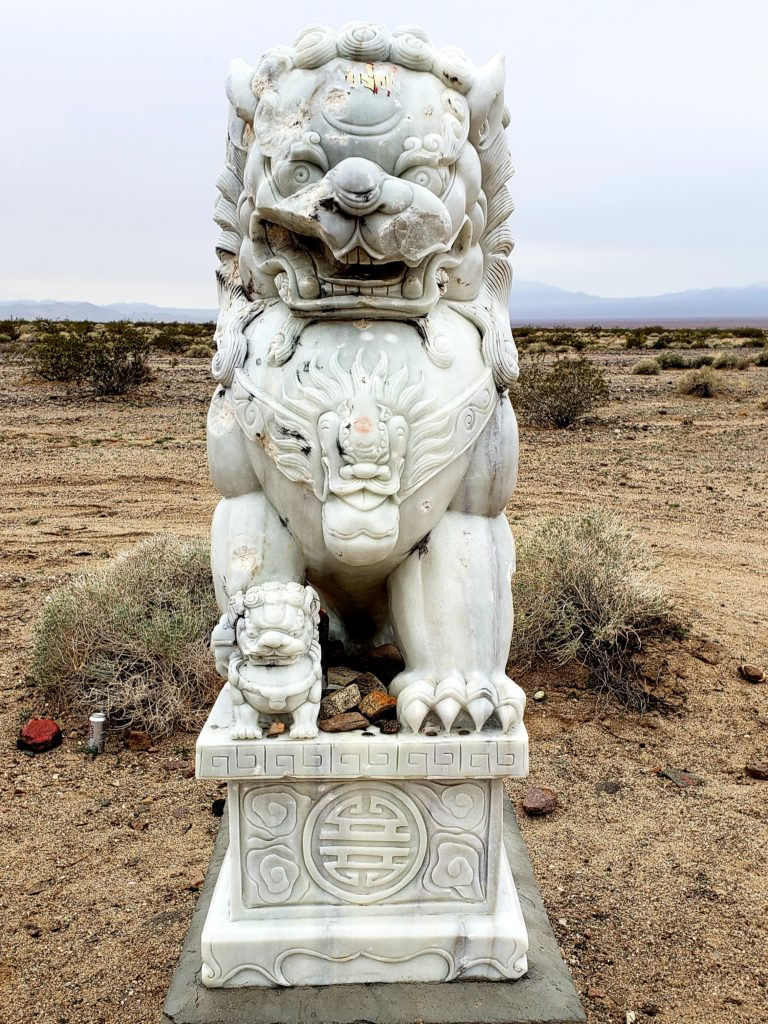 The Mysterious Amboy Lions Of Route 66 Wayward Navigation